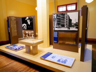 Frihetsgudinnan och Ellis Island båttur - Utställning