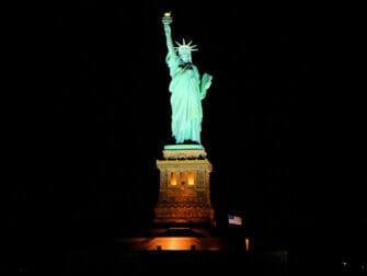 New York Bateaux middagskryssning - Frihetsgudinnan