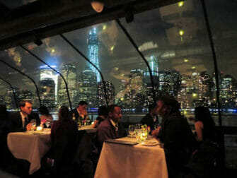 Bateaux middagskryssning i New York - Passagerare