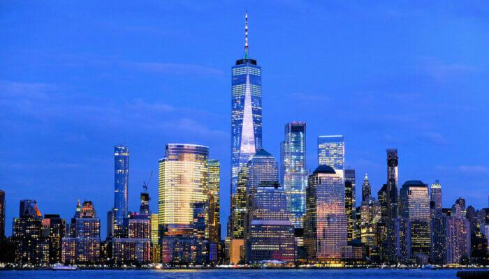Circle Line New York Harbour Lights Cruise Skyline 1