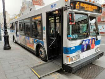 Faciliteter för personer med funktionsnedsättning i New York - Buss