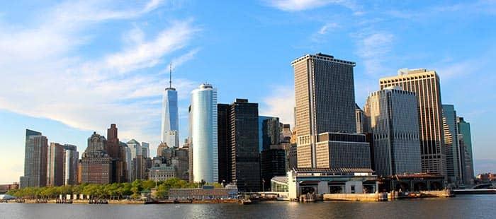 Staten Island i NYC - Utsikt över Manhattan
