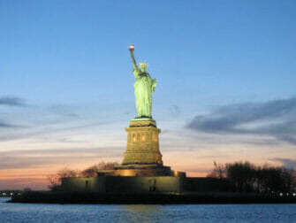 Twilight båttur i NYC - Frihetsgudinnan
