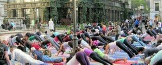 Gratis yoga i Bryant Park