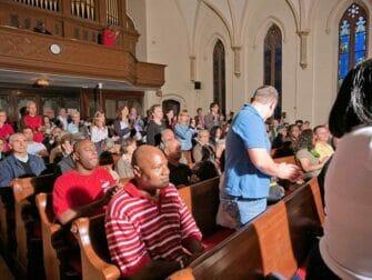 Gospel tur i NYC - Besökare i kyrkan