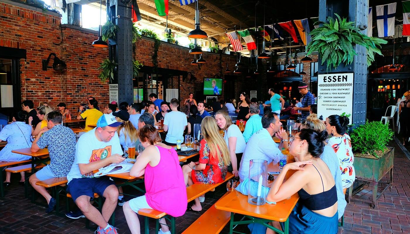 Nattklubbar i Meatpacking District i New York - Biergarten