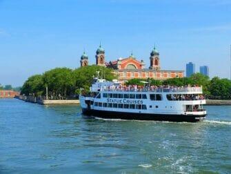 Ellis Island i New York - Båttur till Frihetsgudinnan