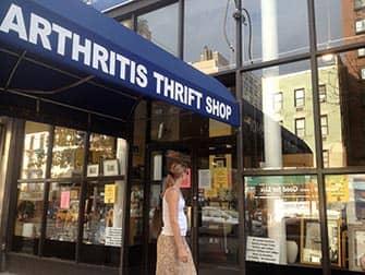 Upper East Side Shopping i NYC - Arthritis Thrift Shop