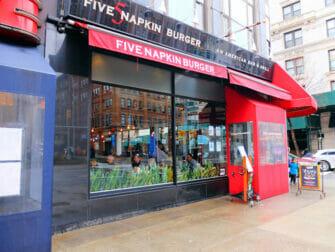 Bästa hamburgarna i New York - Five Napkin Burger