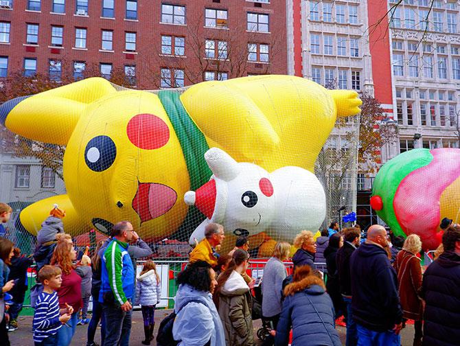 Macy's Thanksgiving Parade - Blåser upp ballongerna