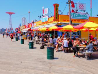 Memorial Day i New York - Coney Island Boardwalk