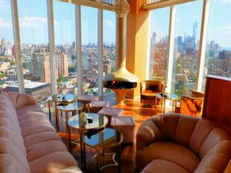 Rooftop barer i New York -The Top of the Standard utsikt