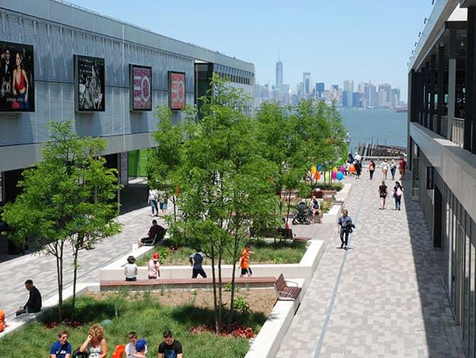 Empire Outlets New York City - Skyline utsikt