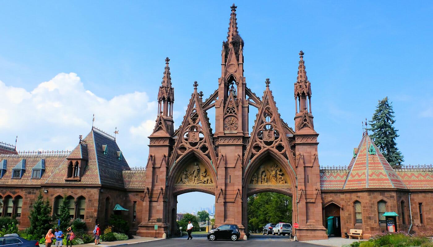 Brooklyn Tour - Ingången till Green-wood Cemetery