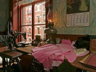 Tenement Museum i New York - Levine Parlor Battman Studios