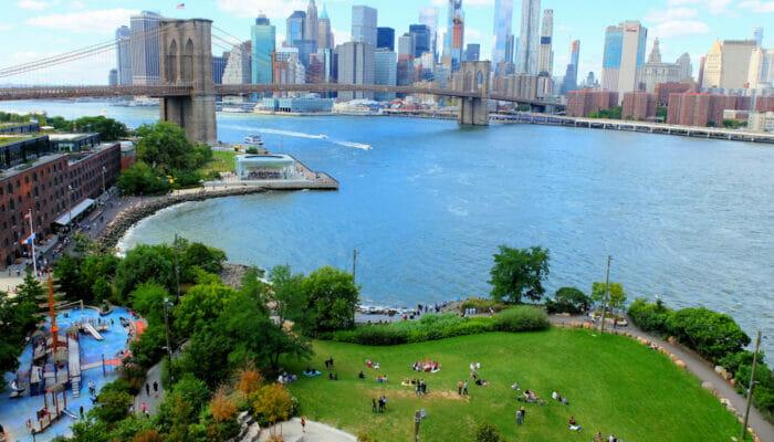 Brooklyn Bridge Park i New York - Från ovan