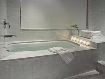 Romantiska hotell i NYC - The London NYC
