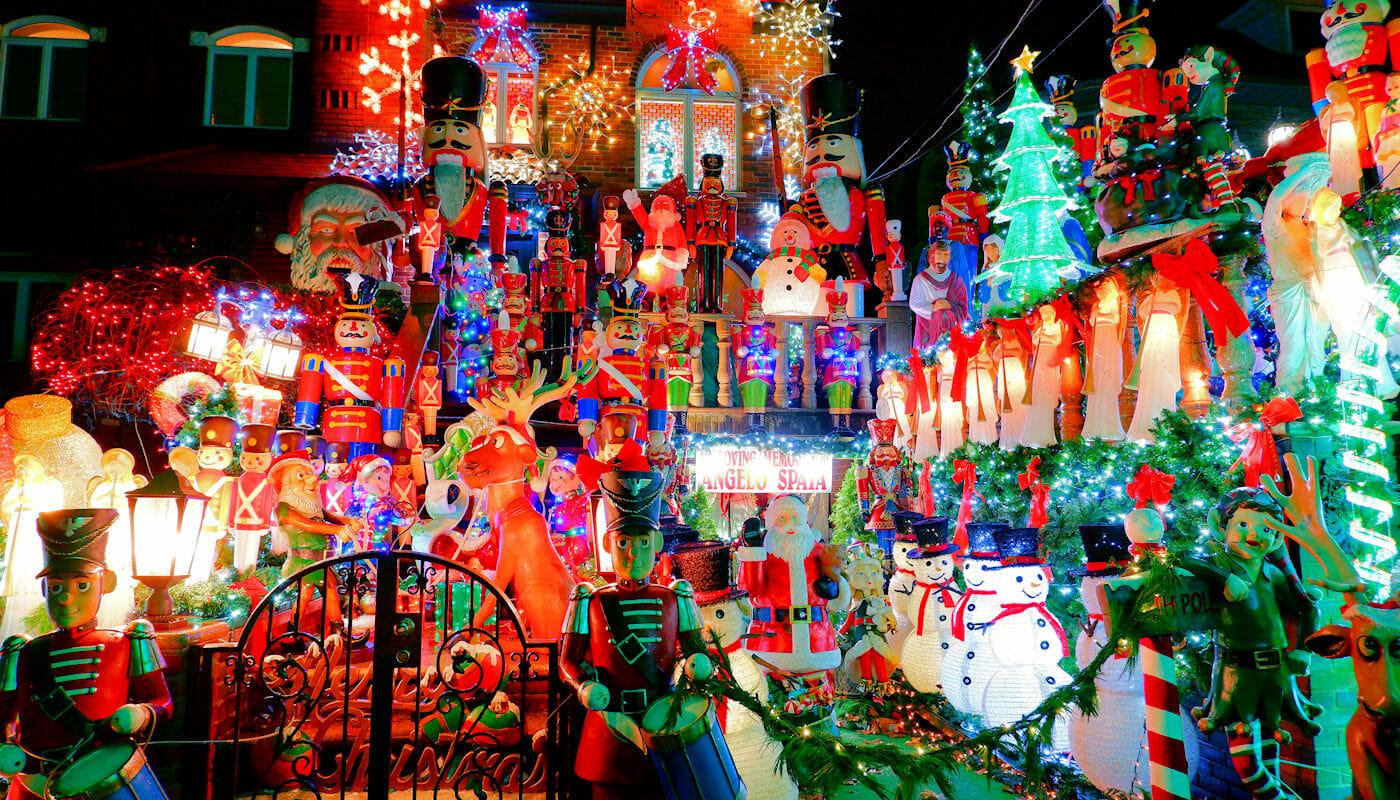 Dyker Heights Christmas Lights - Juldekorationer