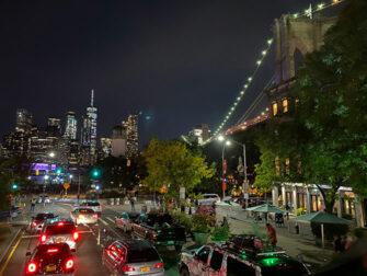 Gray Line Hop on Hop off buss i New York - Brooklyn på kvällen