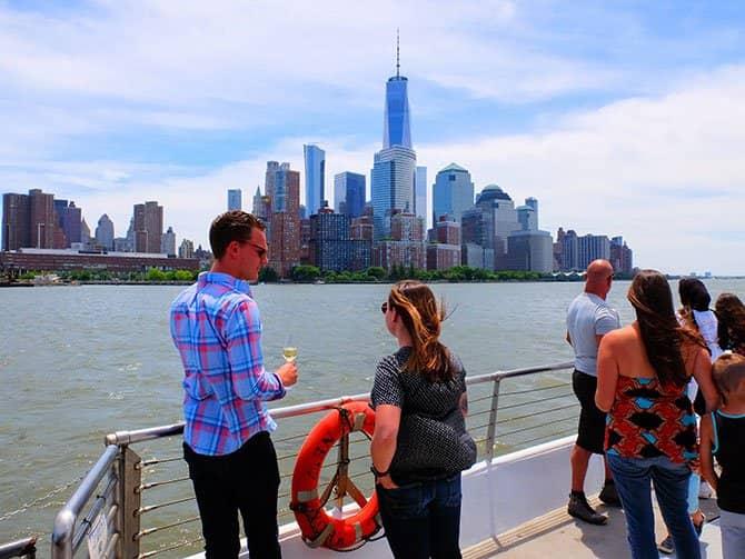 Lunchkryssning ombord på Bateaux i New York - Utsikt