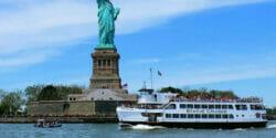 Båtturer runt Manhattan