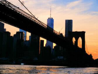 Twilight Boat Tour Brooklyn Bridge