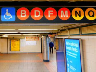 Faciliteter för personer med funktionsnedsättning i New York - Tunnelbana