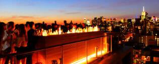 New Yorks nattliv i Uptown eller Downtown