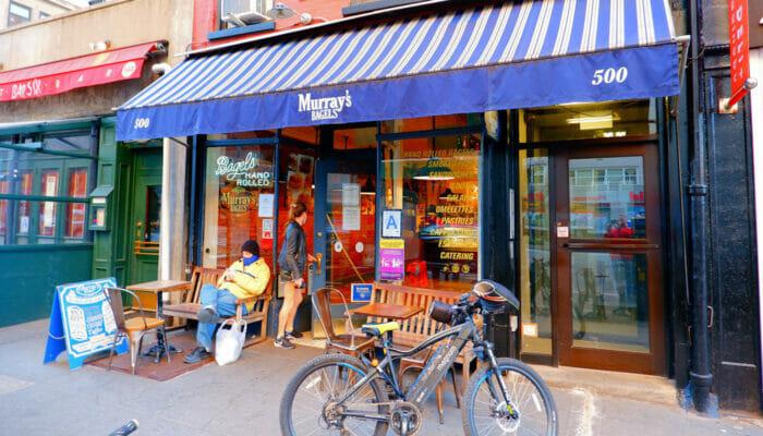 Bästa ställena för bagel och kaffe i New York - Murrays Bagels