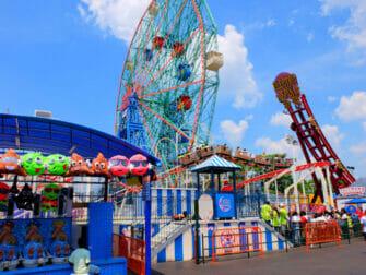 Deno's Wonder Wheel Amusement Park på Coney Island - Attraktioner