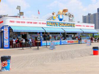 Denos Wonder Wheel Amusement Park på Coney Island - Kiosk